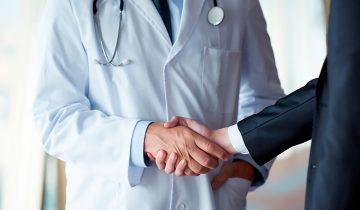 Частное здравоохранение – вынужденный симбиоз политики и бизнеса.